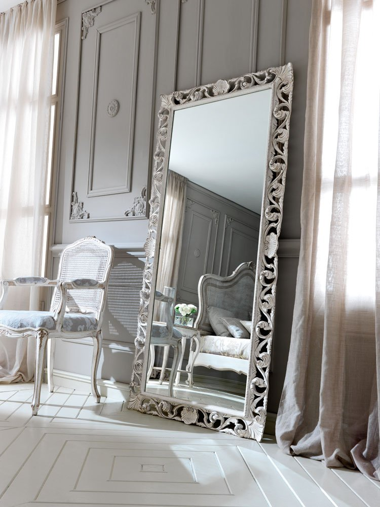 classic mirror with frame and antique white finishes